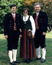 ladies-bunad-from-oppdal-mens-bunad-from-northern-gudbrandsdalen