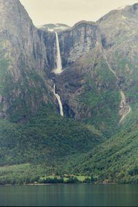 mardalsfossen-waterfall