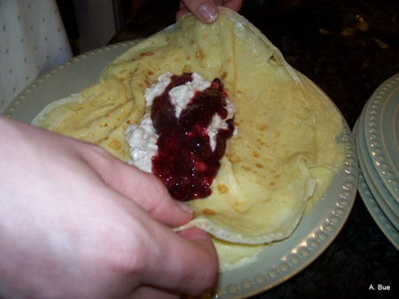 folding filled crepes-3
