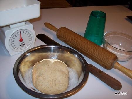 making-oatmeal crackers