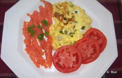smoked-salmon-egg-omelette